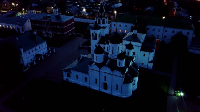 spaso-preobrazhensky kloster in murom am abend - kloster stock-videos und b-roll-filmmaterial