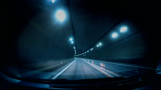 Speed motion in road tunnel