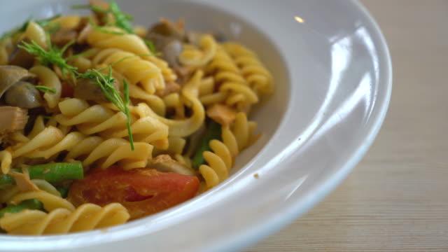 spicy tuna pasta video