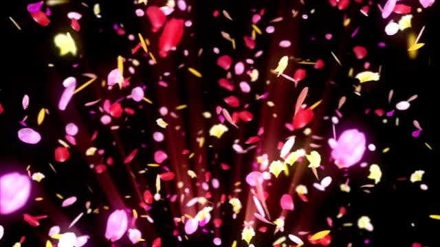 vídeos de stock, filmes e b-roll de rotação de pétalas coloridas, animação cg, partícula, loop - colorful background