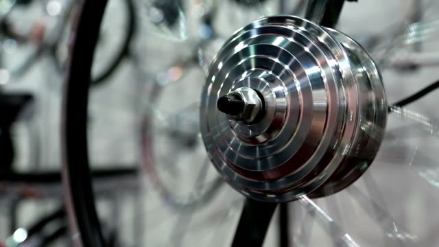 Spinning electric wheel for city bicycle video