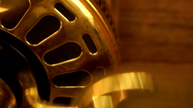 spinning the big gold fan video