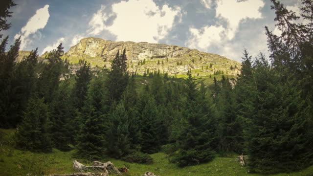 Spinning-Zeitraffer-video der italienischen Dolomiten: Puez Park – Video