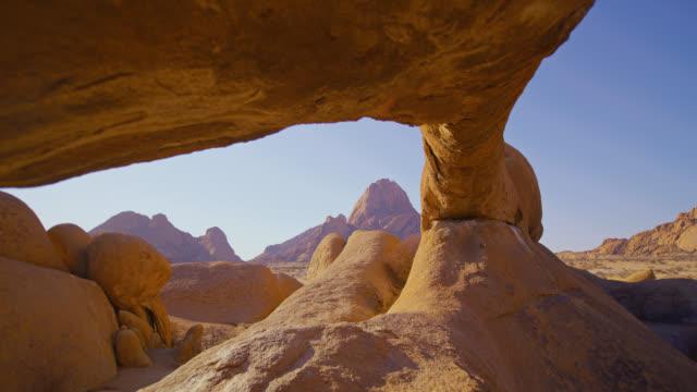 ws 스피츠콥페 암석 형성 및 봉우리, 나미비아, 아프리카 - 10초 이상 스톡 비디오 및 b-롤 화면