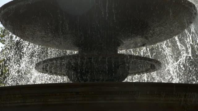 Abgestufte Brunnen Plätschern – Video