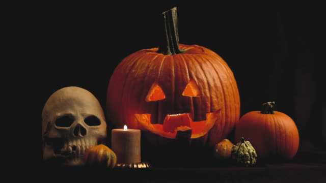Spooky Skull and Jack o' Lantern