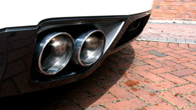 Sports Car Twin Pipe Exhaust Note