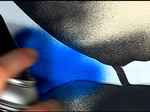 Spray Paint : Blue Anamorphic Video video