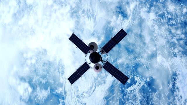 spionagesatelliten, die erde umkreisen - satellit stock-videos und b-roll-filmmaterial