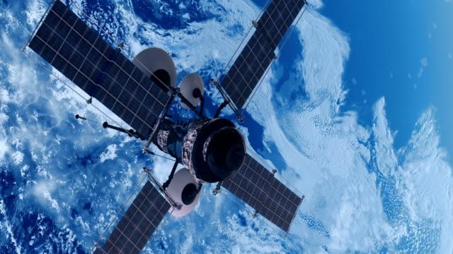 スパイ衛星が地球を周回して - スパイ点の映像素材/bロール