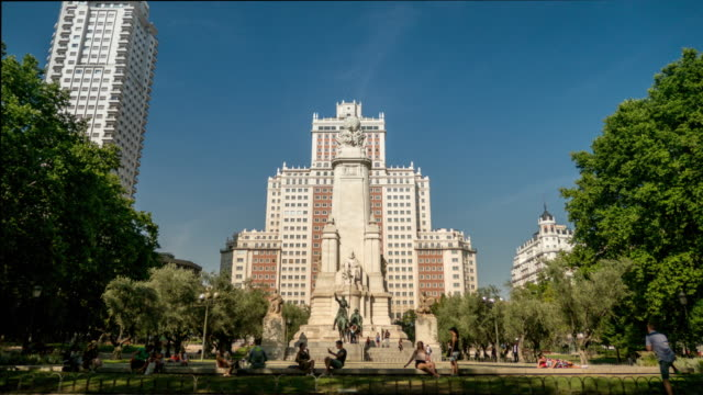 square spain in madrid hyperlapse with quijote cervantes - madrid video stock e b–roll