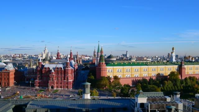 st. basil ' s cathedral vackra landmärke i moskva city, röda torget, moskva, ryssland, 4k footage zooma in. - vasilijkatedralen bildbanksvideor och videomaterial från bakom kulisserna