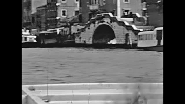 st. francis kilise çan kulesi - fransa kralı i. fransuva stok videoları ve detay görüntü çekimi