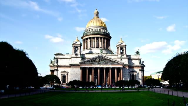 st. isaac's cathedral in saint petersburg, russia - isakskatedralen bildbanksvideor och videomaterial från bakom kulisserna