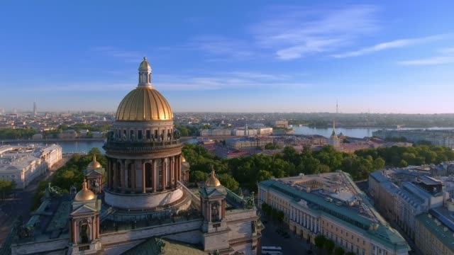 st. isaac's cathedral of st. petersburg aerial shoot - san pietroburgo russia video stock e b–roll