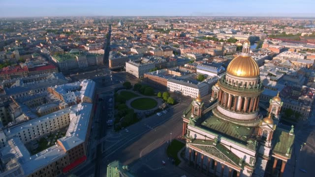 st. isaac's cathedral of st. petersburg aerial shoot - treedeo saint petersburg stock videos & royalty-free footage