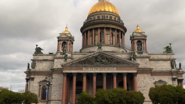 St. Isaac's Cathedral - the largest Orthodox church in St. Petersburg video