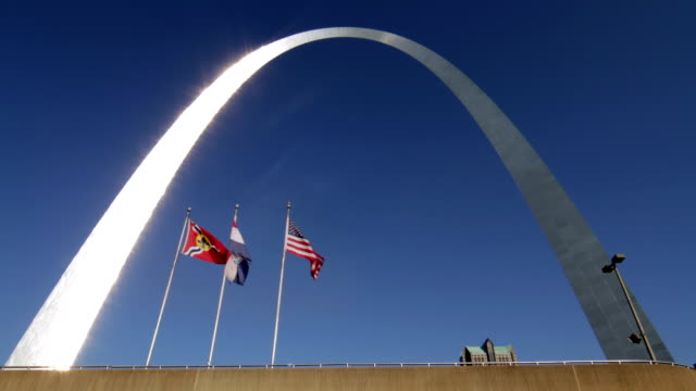st louis gateway arch flags - st louis 個影片檔及 b 捲影像