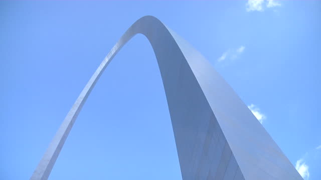 st. louis gateway arch tilt up 2 - st louis 個影片檔及 b 捲影像
