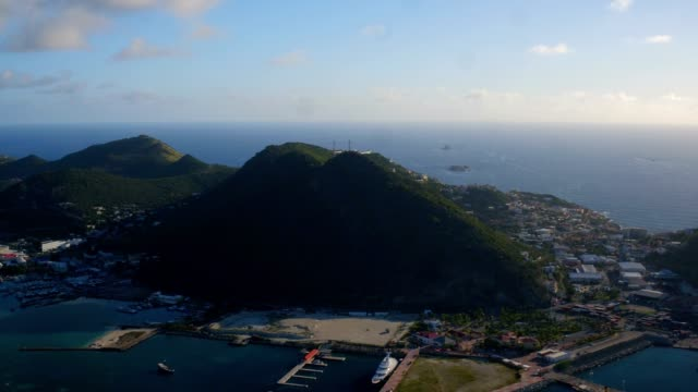 st maartin aerial v41 flying over philipsburg panning with panoramic island views. - philipsburg saint martin olandese video stock e b–roll