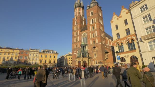 marienkirche auf dem altstädter ring, krakau - krakau stock-videos und b-roll-filmmaterial