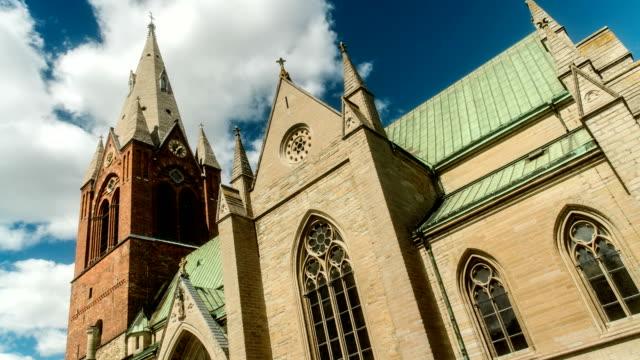 vidéos et rushes de église saint-nicolas time lapse örebro en suède - saint nicolas