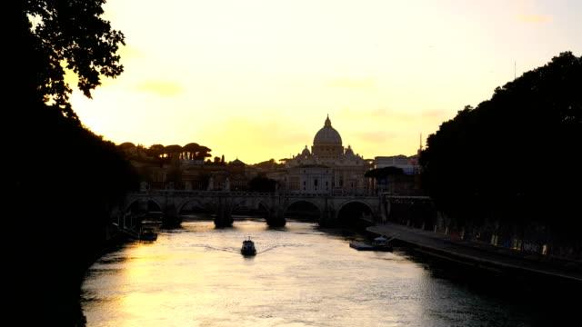 st peter katedrali roma, i̇talya - vatikan şehir devleti stok videoları ve detay görüntü çekimi