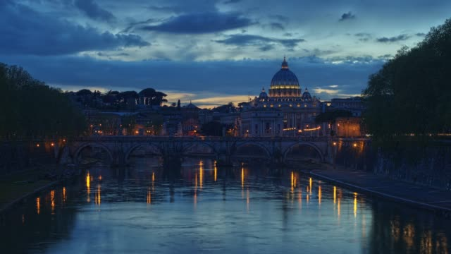 peterskyrkan, dag till natt tid förfaller - basilika katedral bildbanksvideor och videomaterial från bakom kulisserna
