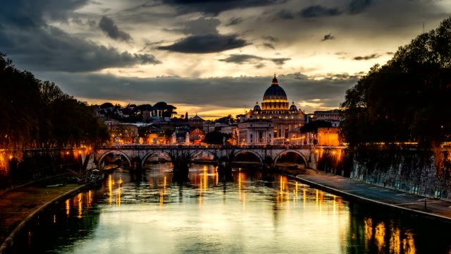 peterskyrkan, dag till natt tid förfaller - peter the apostle bildbanksvideor och videomaterial från bakom kulisserna