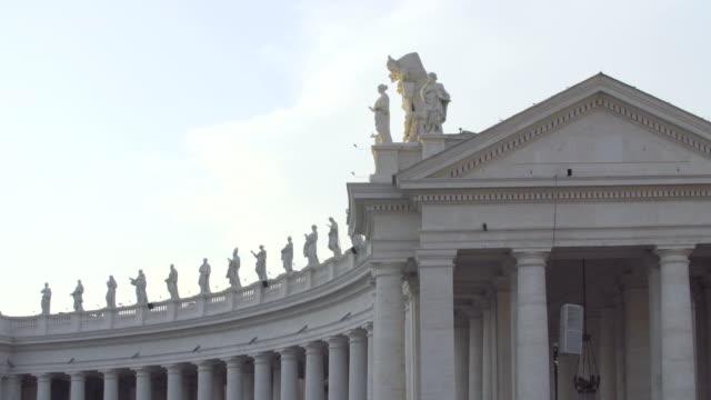 st. peter's basilica, vaticano, roma, italiy - vatikan şehir devleti stok videoları ve detay görüntü çekimi