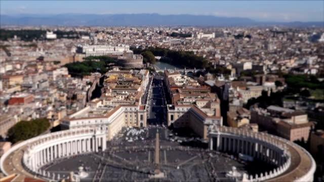 st. peter's square and castel sant'angelo in rome - peter the apostle bildbanksvideor och videomaterial från bakom kulisserna