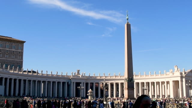 st. peter's square in the vatican city - papa video stock e b–roll