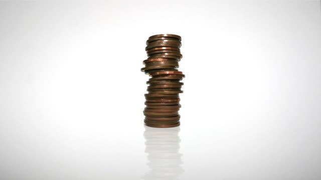 stapeln von münzen - euros cash stock-videos und b-roll-filmmaterial