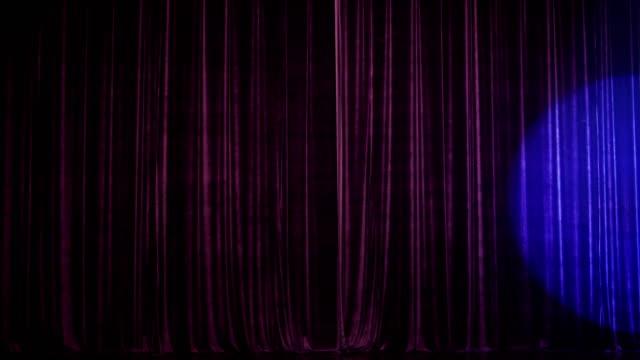 tenda da palcoscenico con spot - sipario video stock e b–roll