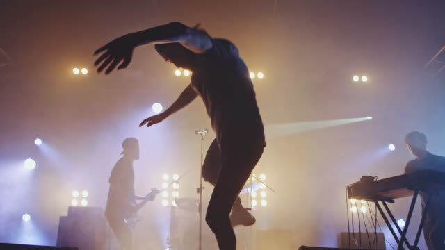 Stage-diving – Video