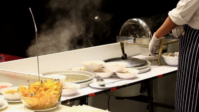 stainless steel kitchen (Montag) video