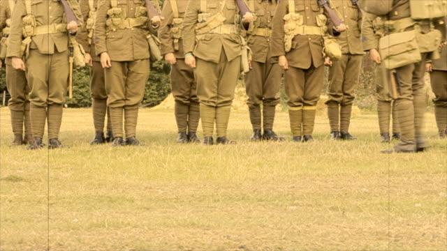 vidéos et rushes de tenez-vous à l'attention de - première guerre mondiale