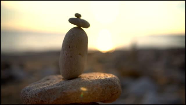 して立つ - 彫刻点の映像素材/bロール
