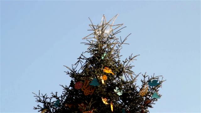 star on Christmas tree video