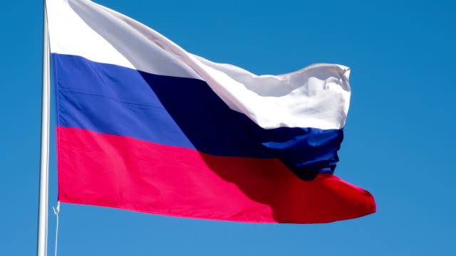 vídeos de stock, filmes e b-roll de bandeira do estado de rússia - rússia