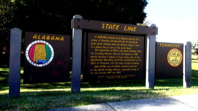 state line between tennessee and alabama - alabama filmów i materiałów b-roll