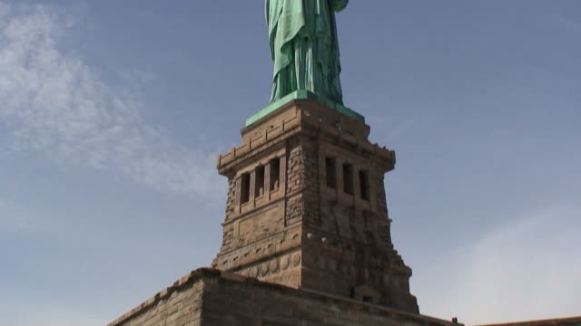 Statue of Liberty Quick Panning HD1080 video