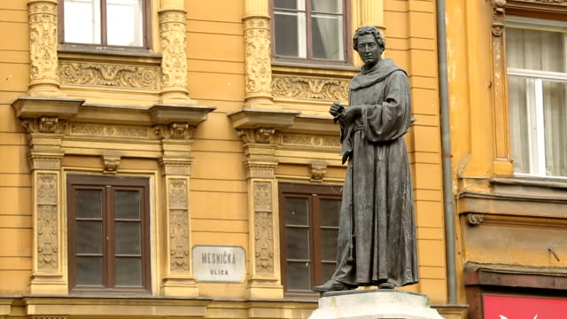 Statue of poet and monk Andrija Kacic Miosic on Mesnicka street, Zagreb video