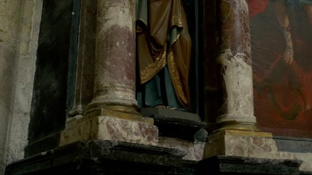 statua di san pietro - papa video stock e b–roll