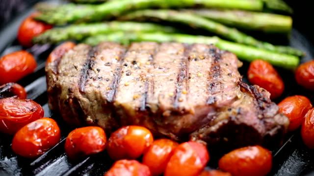 steak - steak stock-videos und b-roll-filmmaterial