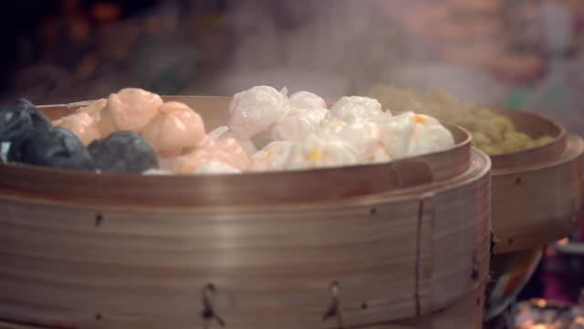 蒸気のセイロ蒸しパン中国スナック ビデオ