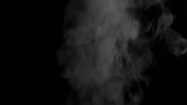 4 k : 黒い背景に白色 - 蒸気点の映像素材/bロール