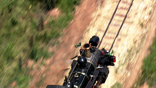 buharlı tren dışında são joão del rei - havadan görünümü - minas gerais, são joão del rei, brezilya - minas gerais eyaleti stok videoları ve detay görüntü çekimi