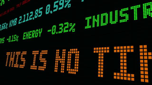 vídeos de stock e filmes b-roll de stock market ticker - nyse crash