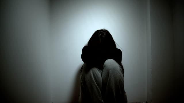 vídeos y material grabado en eventos de stock de detener el abuso contra la mujer - violencia doméstica